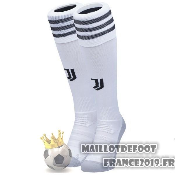 taille 40 b4197 a4c86 Maillot De Foot adidas Domicile Chaussettes Juventus 2018 ...
