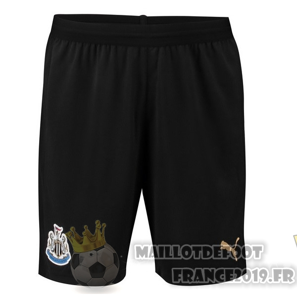 Maillot De Foot PUMA Domicile Shorts Newcastle United 2018-2019 Noir